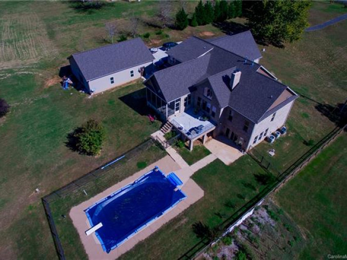 3437643_8271 Coldwater Road